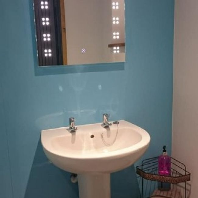 thebyres-Bathroom1